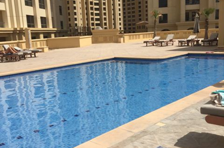 dubai-pool